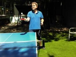 Pán Peter Marcin, ping pong na trávniku