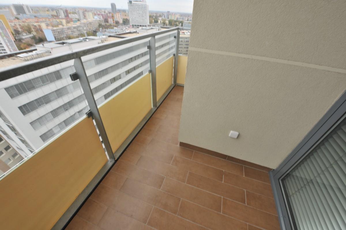 Balkón - pred aplikáciou umelej trávy